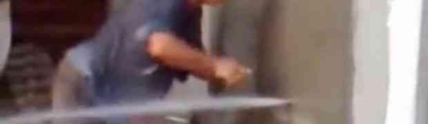 Ovako Bosanac mijenja česmu pod pritiskom (VIDEO)