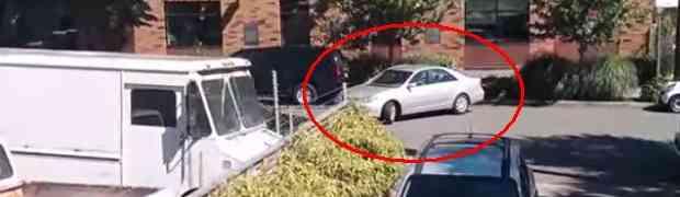 Ako mislite da ste loši u parkiranju, pogledajte ovaj video i ponovo razmislite!