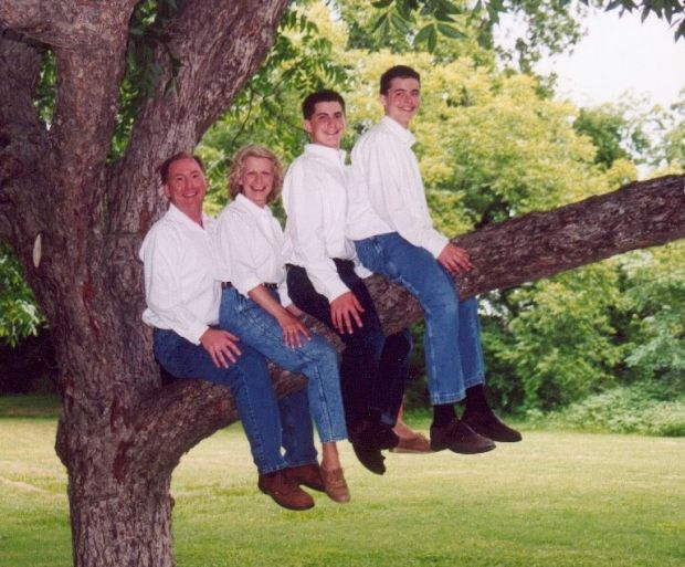 Awkward family photo, 2002