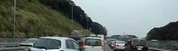 Pogledajte kako se Japanski vozači zahvaljuju na cesti (VIDEO)