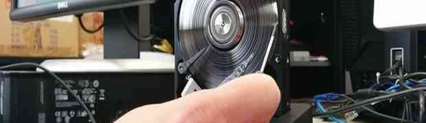 Ovo je definitivno najbolji način da uništite sve podatke sa vašeg hard diska (VIDEO)