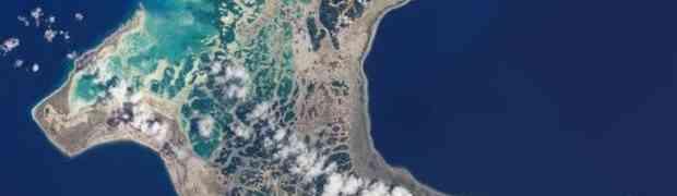 Ovaj otok izgleda kao raj, ali tokom 2 mjeseca u godini izgleda zastrajuće!