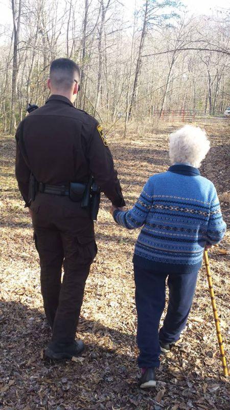 policajac-starica