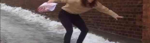 Kada djevojke žele da ostanu dame i po ledu onda to izgleda ovako (VIDEO)