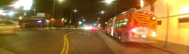 Udarilo ga auto, a nećete vjerovati šta je uradio nakon toga (VIDEO)
