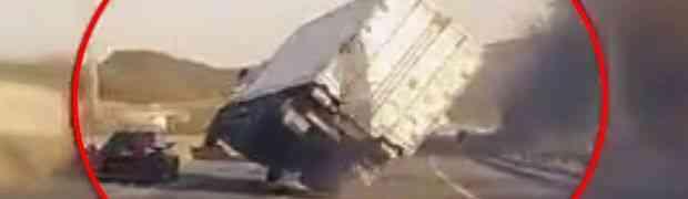 Ovaj kamiondžija je izveo nešto totalno NEMOGUĆE (VIDEO)