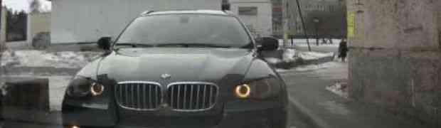 Svi su mislili da će ovaj vozač BMW-a započeti svađu, ali on je uradio nešto što je nasmijalo cijeli svijet (VIDEO)