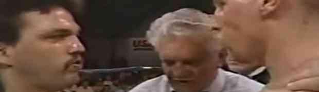 Ulični borac koji nikada nije izgubio tuču odlučio je da uđe u ring protiv pravog boksera. Ovo gledaoci u dvorani NISU OČEKIVALI! (VIDEO)