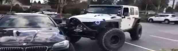 Bahati vozač BMW-a je zauzeo dva parking mjesta BOLJE DA NIJE (VIDEO)