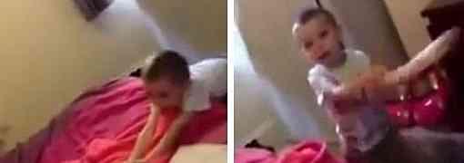 Dječak je u sobi pronašao mamin ogromni vibrator... Reakcija njegovog oca nasmijala je CIJELI SVIJET (VIDEO)