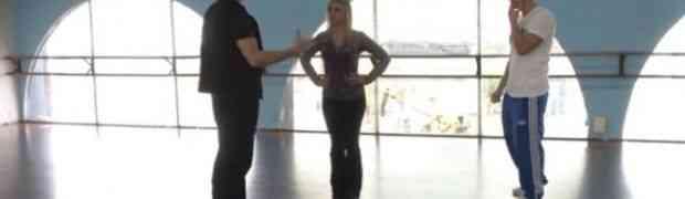 Došao je sa djevojkom da nauče plesati ali kada je vidio šta joj instruktor sve radi pozlilo mu je (VIDEO)