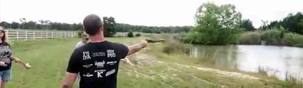 Glumio je facu i uzeo da puca iz sačmarice držeći je samo jednom rukom. Ono što je uslijedilo na 0:04 PAMTIĆE DOK JE ŽIV! (VIDEO)