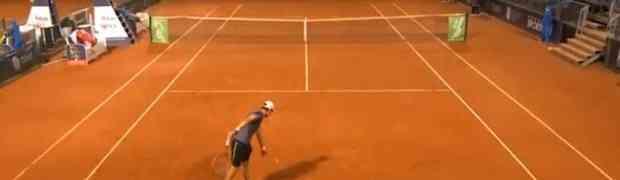 OVO JE NAJLUĐE SERVIRANJE U TENISU IKADA: Nećete vjerovati na koji način je ovaj igrač došao do poena! (VIDEO)