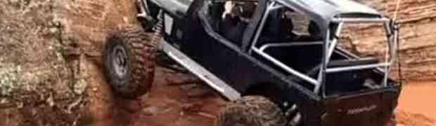 KAKO JE OVO UOPŠTE MOGUĆE?! Kada vidite kuda je popeo ovog džipa, OSTAĆETE BEZ RIJEČI! (VIDEO)