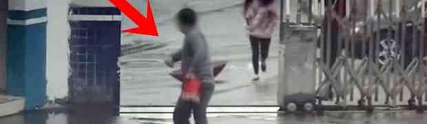Ukrao je telefon ženi na ulici i počeo bježati... Par sekundi kasnije, shvatio je KOLIKU GREŠKU JE NAPRAVIO! (VIDEO)
