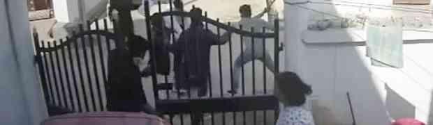 Ispred dvorišta napala ga je grupa muškaraca od kojih je dobio dobre batine, a onda je iz kuće izašla NJEGOVA ŽENA...