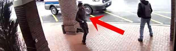 Vidio je tipa kako s pištoljem u ruci bježi policiji, a onda je uradio nešto najluđe! Dobro obratite pažnju na 0:32 (VIDEO)