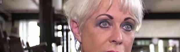 Ima 68 godina i ne želi je niti jedan muškarac. Kada vidite ostatak njenog tijela, BIĆE VAM JASNO ZAŠTO! (VIDEO)