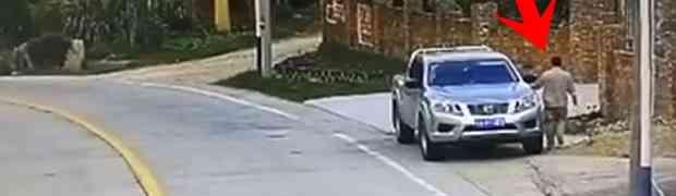 Ako ste mislili da ste Vi imali loš dan, čekajte da vidite šta se dogodilo ovom čovjeku nakon što je ušao u svoje auto!