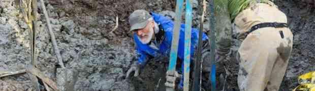 Farmeri su kopali zemlju u polju, kada su 'pogodili' nešto što nisu bili spremni pronaći... NEVJEROVATNO!