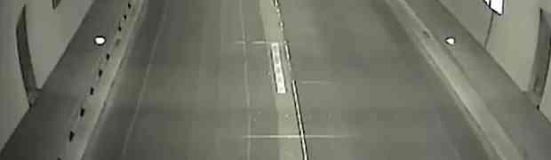 Nadzorne kamere u tunelu u Sloveniji snimile jednu BIZARNU SCENU (VIDEO)
