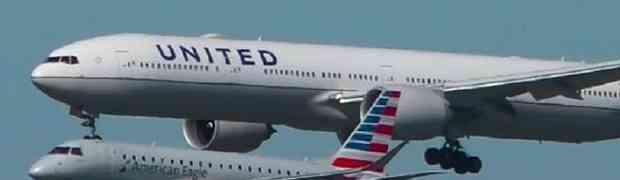 Nevjerovatna snimka dva aviona koji jedan pored drugog u isto vrijeme slijeću na pistu!