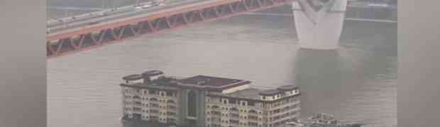 Pogledajte kako Kinezi brodovima preko rijeke 'prevoze' CIJELU STAMBENU ZGRADU!